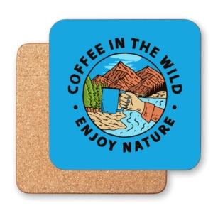 زیر لیوانی طرح لذت نوشیدن قهوه در طبیعت بکر