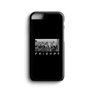قاب موبایل طرح گروه فرندز در نمای شهر
