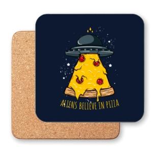 زیر لیوانی طرح فضاییها هم عشق پیتزا هستند